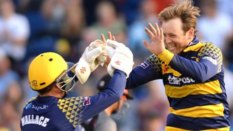 Mark Wallace (left) with Colin Ingram