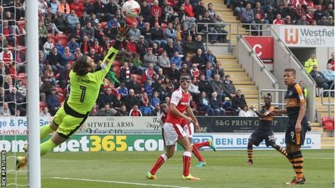 Christian Atsu scores for Newcastle