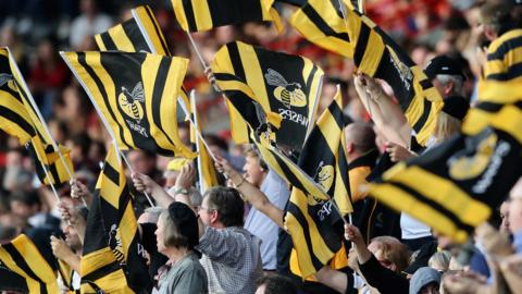 Wasps fans wave flags