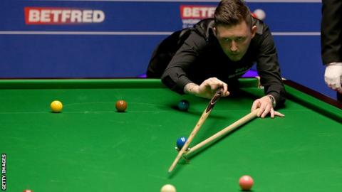 Latest updates as Higgins takes an early semi-final lead against Hawkins