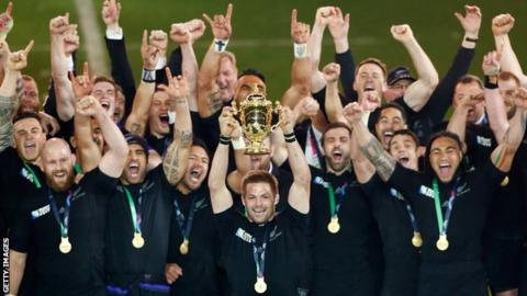 New Zealand raise the 2015 World Cup trophy