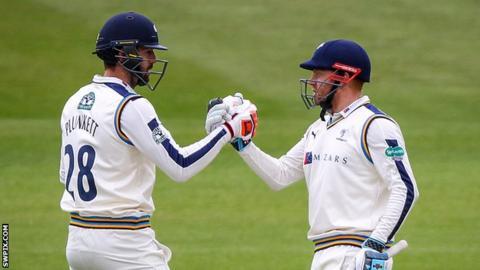Liam Plunkett (left) and Jonny Bairstow (right)