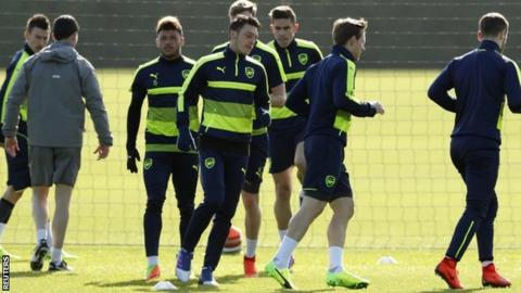 Mertesacker urges Arsenal to treat Lincoln with respect