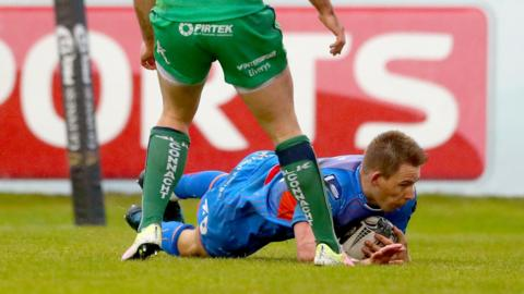 Liam Williams touches down for Scarlets against Connacht