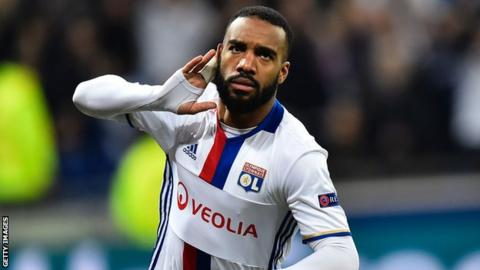 Arsenal close in on club-record Lacazette signing