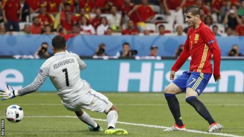 Moratta scores Spain's third
