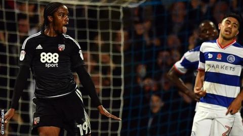Romaine Sawyers scores Brentford's second goal