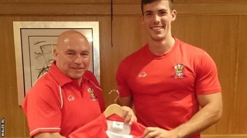 Wales head coach John Kear with Morgan Evans