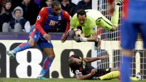 Man City skipper Kompany dealt major knee injury blow