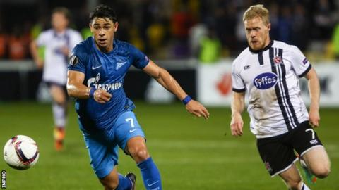 Dundalk's Daryl Horgan battles with Zenit's Giuliano