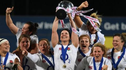 England women's rugby squad celebrate