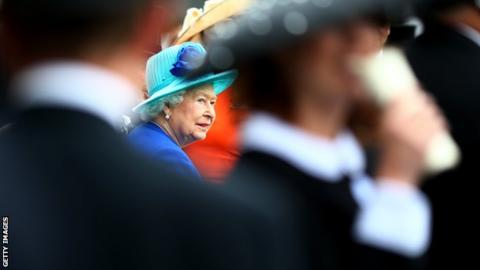 Royal Ascot dress rules relaxed as racegoers wilt in the heat
