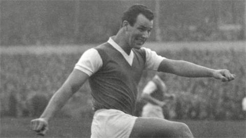 Mel Charles in action for Arsenal