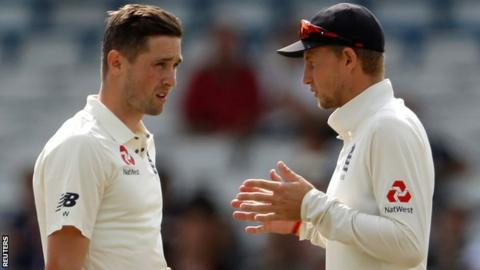 England replace Woakes with Roland-Jones for deciding Test