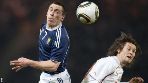Scotland's Scott Brown and Czech Republic's Thomas Rosicky