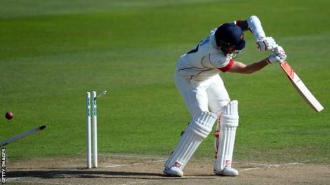 Essex win County Championship: Lancashire defeat at Somerset confirms title