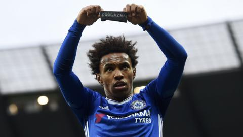 Chelsea winger Willian celebrates