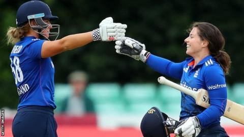 England openers Lauren Winfield and Tammy Beaumont