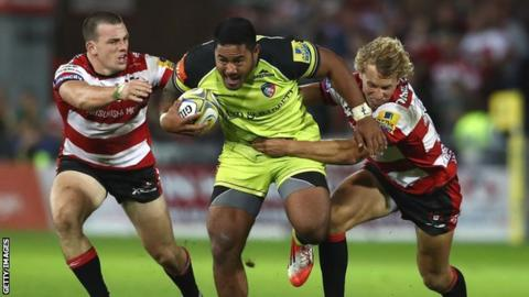 Manu Tuilagi on the charge for Leicester