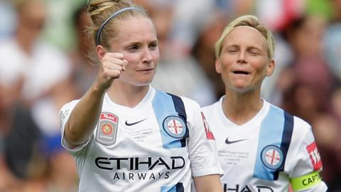 Kim Little playing for Melbourne City