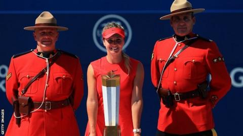 Wozniacki beats Stephens to reach Rogers Cup final