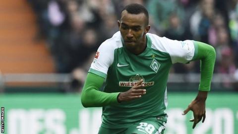 Werder Bremen's Melvyn Lorenzen