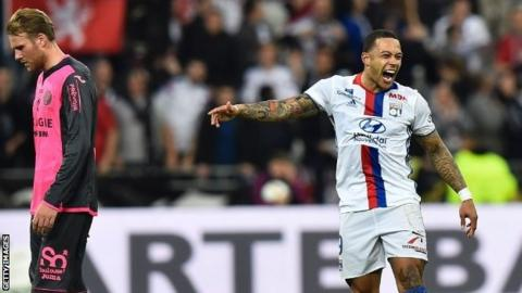 Depay delighted with halfway line strike for Lyon