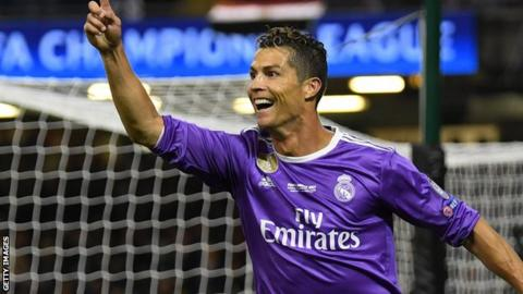 Madrid fans want Ballon D'or for Ronaldo