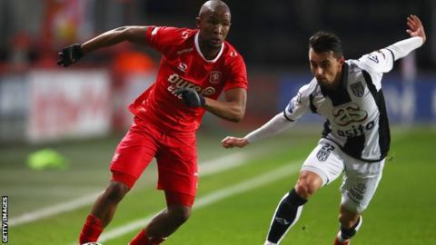 Bafana Bafana star Kamohelo Mokotjo signs for English side Brentford