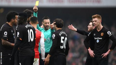Referee Mark Clattenburg quitting England for Saudi Arabia