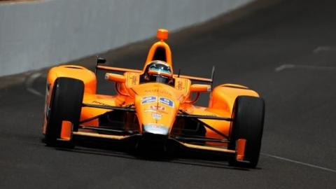 Alonso overcomes learning curve, engine change to start 5th