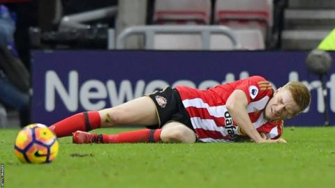 Duncan Watmore suffered a cruciate knee ligament injury during Sunderland's 2-1 win over Leicester in December 2016