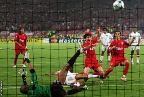 Federation Internationale de Football Association  panel invites debate on 'radical' 60-minute game clock
