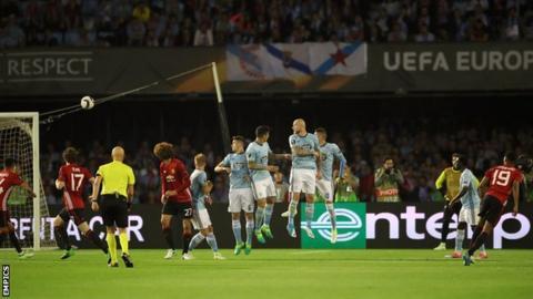 Marcus Rashford anota del Manchester United ante el Celta de Vigo