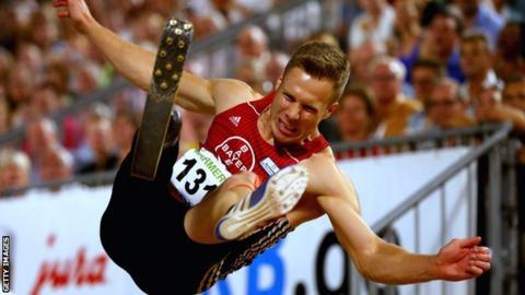 Markus Rehm jumps