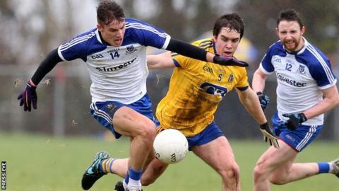 Monaghan's Thomas Kerr battles with Roscommon's David Murray at Kiltoom