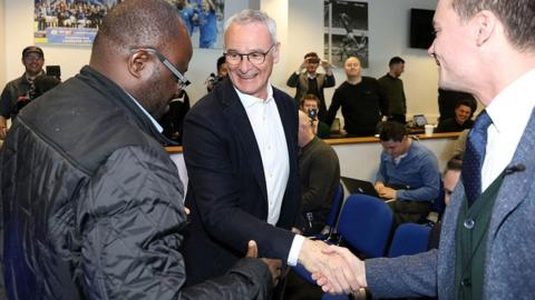 Claudio Ranieri greets journalists