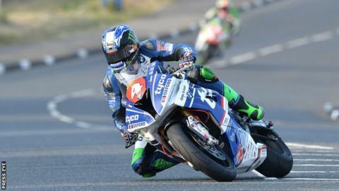 Hutchinson wins IoM TT Quantum Superstock race