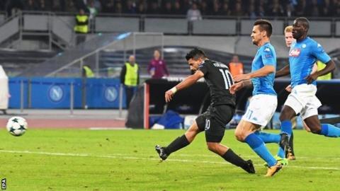 Aguero breaks record as Man City score four in Naples
