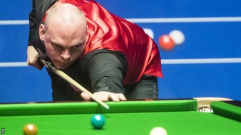 World Championship 2017: Stuart Bingham beats Peter Ebdon in first round