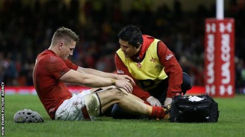 Wales' Davies set to miss Six Nations with foot injury
