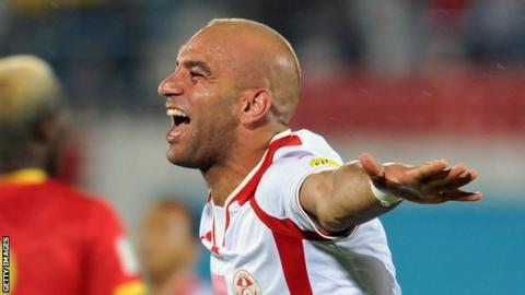 Valencia's Aymen Abdennour makes Marseille loan move