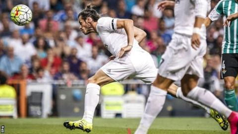 Gareth Bale scores with a header against Real Betis