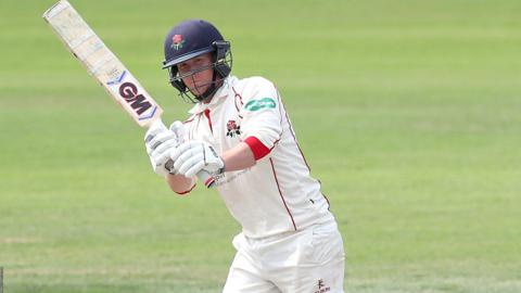 Lancashire wicketkeeper Alex Davies