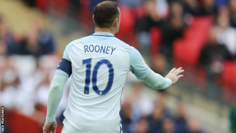 Rooney's form for Man United is 'irrelevant'