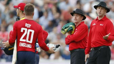 Jason Roy is given out for obstructing the field
