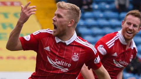 Jayden Stockley celebrates scoring Aberdeen's equaliser