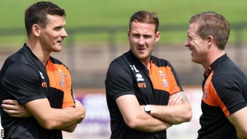 Lee McCulloch chats with Kilmarnock manager Gary Locke before Saturday's friendly against Berwick Rangers on Saturday