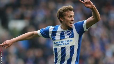 Manchester United's James Wilson to join Derby County on loan