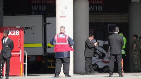 Bomb disposal unit outside Old Trafford